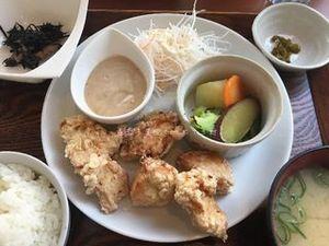 鶏むね肉のから揚げと温野菜のごまマヨソース02.JPG